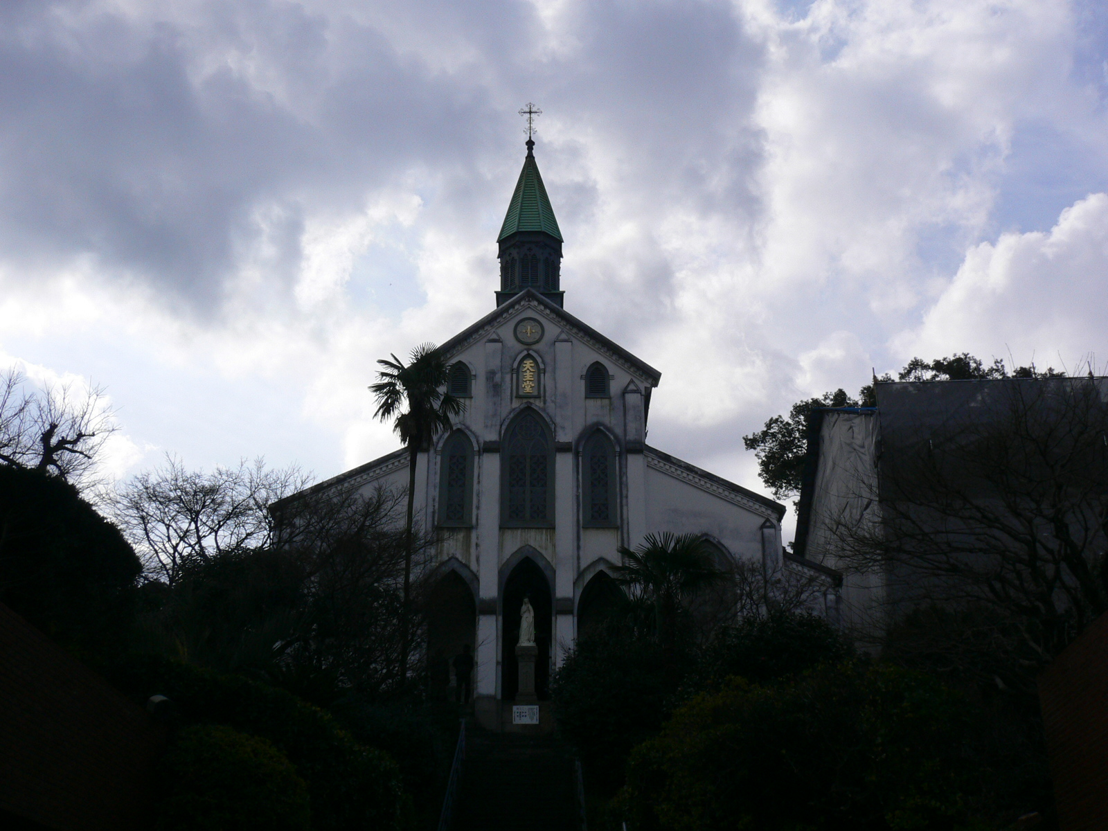 2011_003