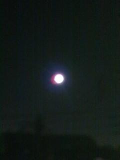月はどっちに出ている