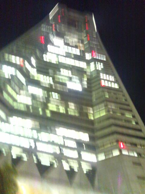 夜のランドマークタワー